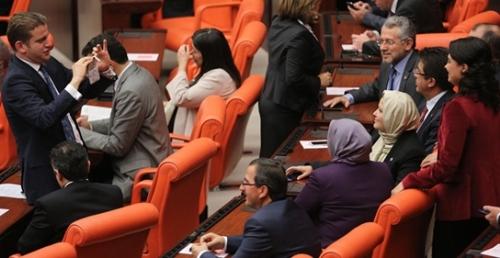 Halen mecliste 6 başörtülü milletvekili bulunuyor