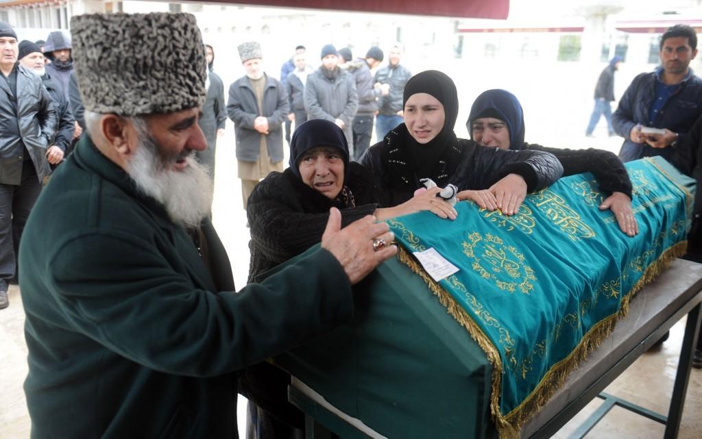 Ailesi, Kaim Saduev'e gözyaşları içinde veda etti.